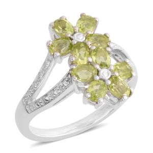 Peridot Platinum Over Sterling Silver Ring (Size 7.5) TGW 1.90 cts.