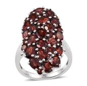 Mozambique Garnet Platinum Over Sterling Silver Ring (Size 7.0) TGW 10.490 cts.