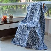 White and Blue Damask Print Microfiber Quilt Throw (50x60 in)