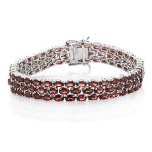 Srikant's Showstopper Mozambique Garnet Platinum Over Sterling Silver Bracelet (7.50 In) TGW 30.540 cts.