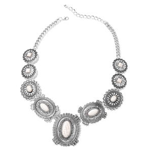 White Howlite Silvertone Necklace (21 in) TGW 150.00 cts.