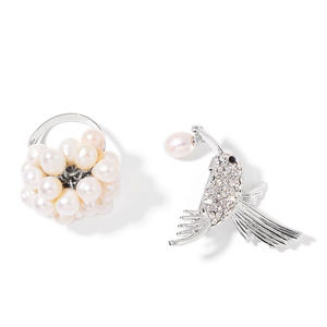 Freshwater Pearl, White and Black Austrian Crystal Silvertone Hummingbird Brooch and Ring (Adjustable)