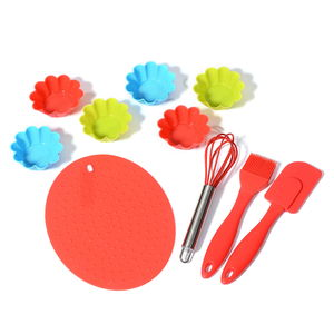 10 Piece Cupcake Baking Set (6 Cupcake Molds, 1 Whisk, 1 Spatula, 1 Brush, and 1 Hot Pad)