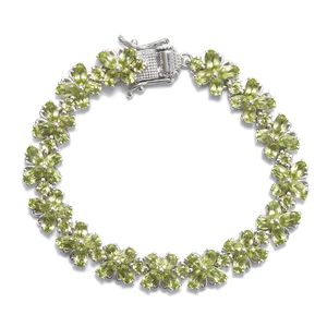 TLV Hebei Peridot Platinum Over Sterling Silver Bracelet (6.50 In) TGW 16.25 cts.