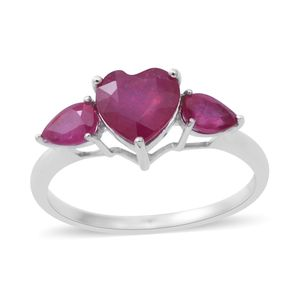 Niassa Ruby Sterling Silver Heart Trilogy Ring (Size 7.0) TGW 3.60 cts.