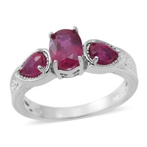 Niassa Ruby Sterling Silver 3 Stone Ring (Size 7.0) TGW 2.81 cts.